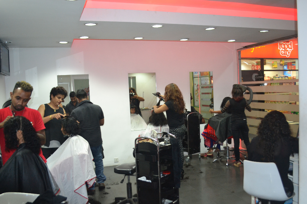 Gallery roots hair and beauty salon academy sri lanka for Colombo design spa